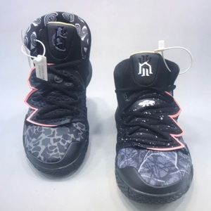 Kyrie Irving NIKE Sneakers Shoes